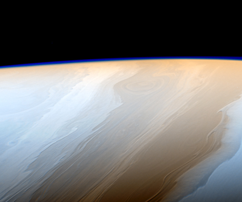 Up-close image of Saturn's clouds from Cassini