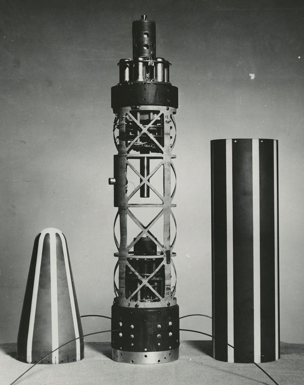 scientific instruments mounted inside Explorer 1