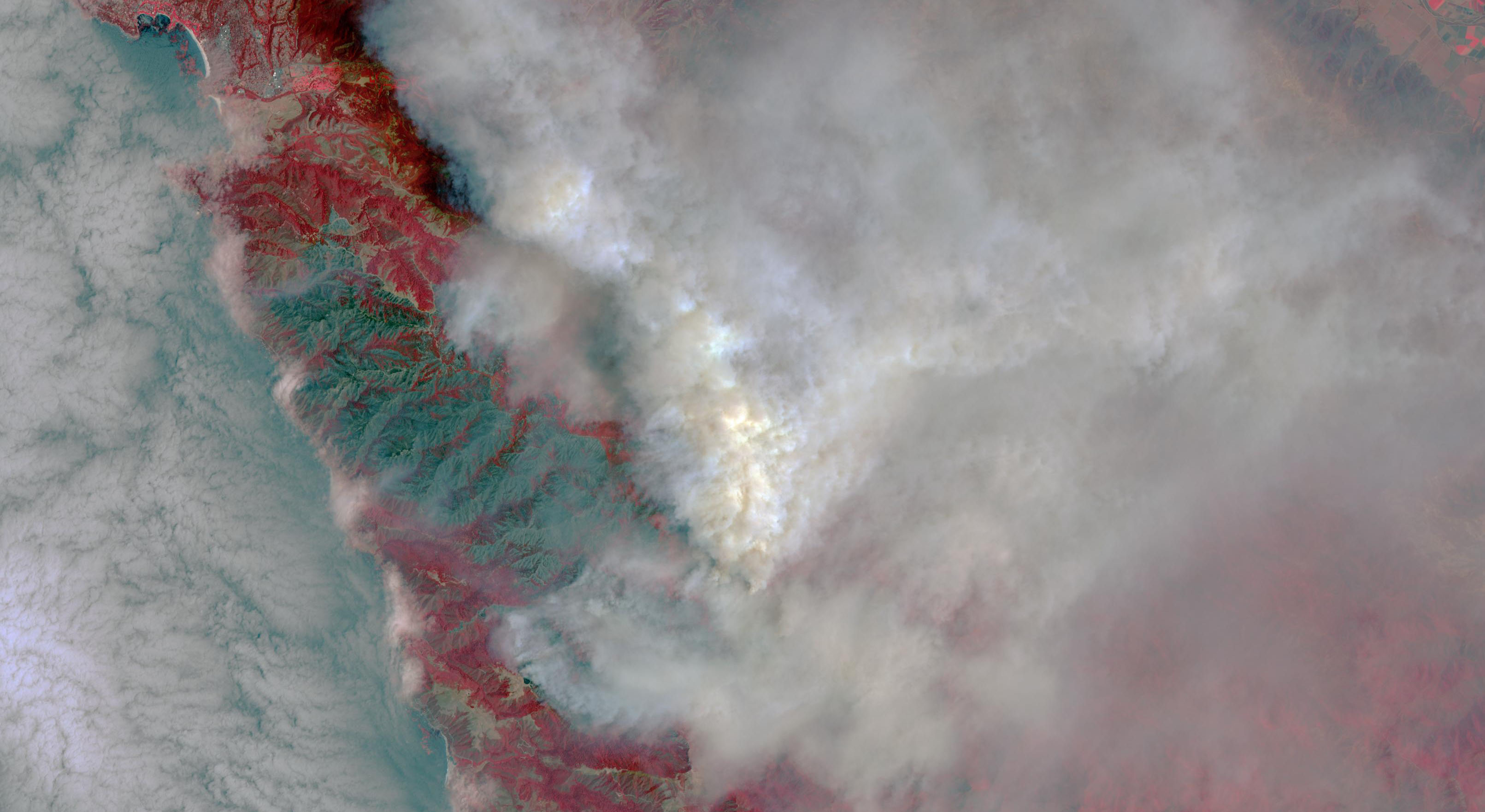 An image of the Soberanes fire, in northern California near Big Sur