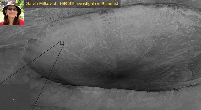 Phoenix Lander descends on Mars