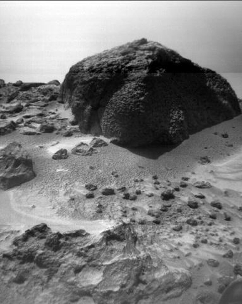 This image of the rock 'Chimp' was taken by NASA's Sojourner rover's right front camera on Sol 72 (September 15). Fine-scale texture on Chimp and other rocks is clearly visible. Sol 1 began on July 4, 1997.