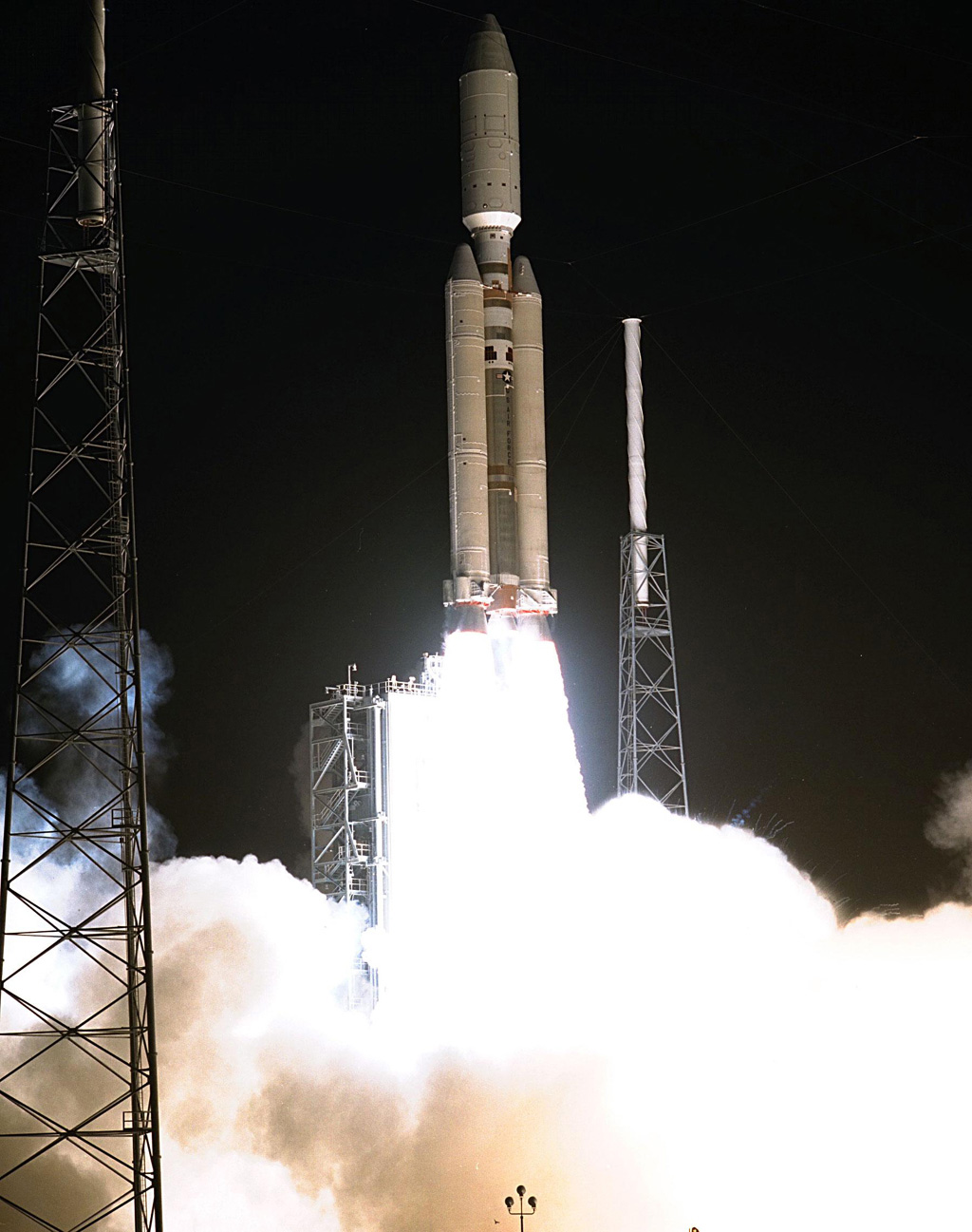 Space Images | Launch of Cassini Orbiter and Huygens Probe ...