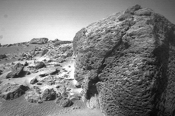 This view of the rock 'Chimp' was acquired by NASA's Sojourner rover's right front camera on Sol 74 (September 17). A large crack, oriented from lower left to upper right, is visible in the rock. Sol 1 began on July 4, 1997.