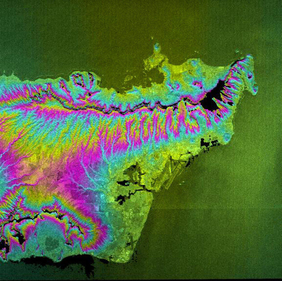 This topographic radar image acquired by NASA's Shuttle Radar Topography Mission in Feb. 2000 shows the city of Honolulu, Hawaii and adjacent areas on the island of Oahu. Honolulu lies on the south shore of the island.