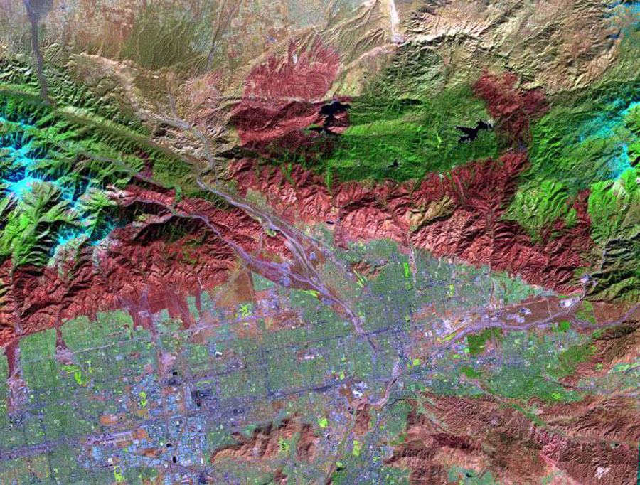 On November 18, 2003, NASA's Terra satellite acquired this image of the Old Fire/Grand Prix fire east of Los Angeles.