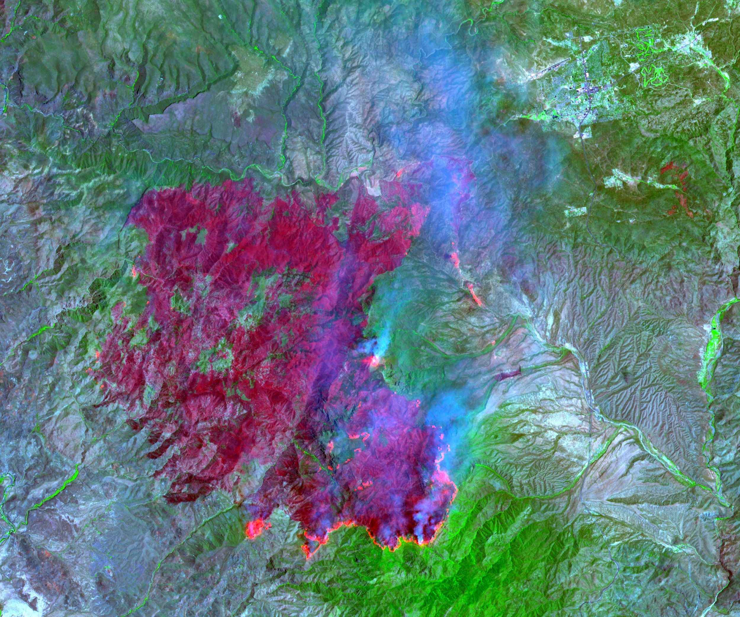 On July 3, 2004, the Advanced Spaceborne Thermal Emission and Reflection Radiometer (ASTER) on NASA's Terra satellite acquired this image of the Willow fire near Payson, Arizona.