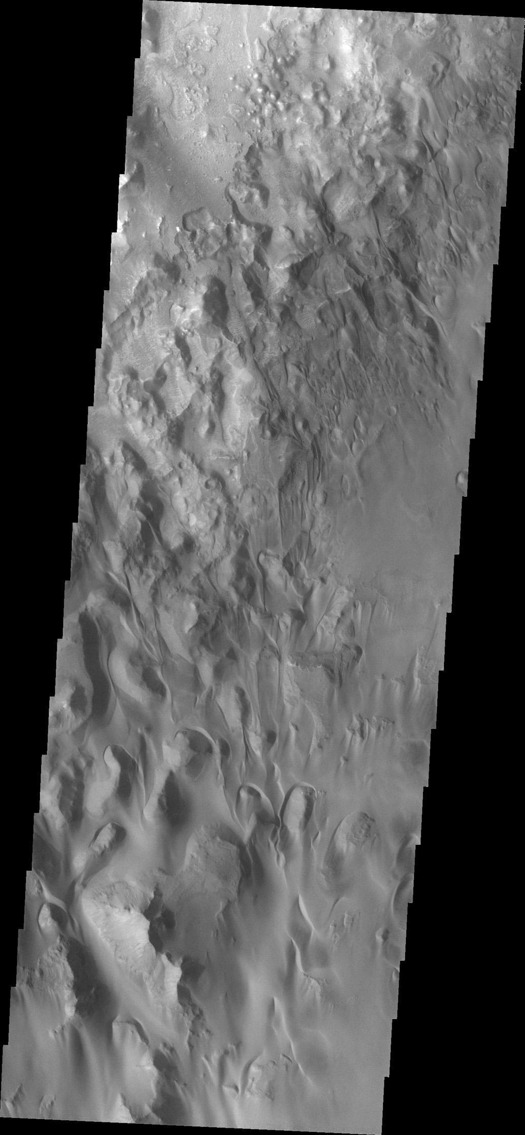 Space Images | Juventae Chasma