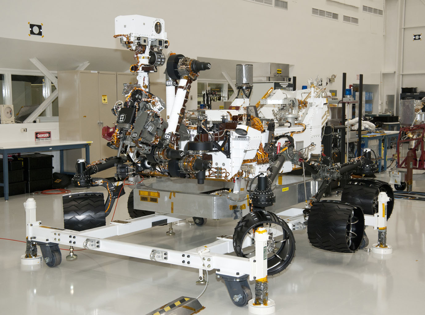Space Images | NASA Mars Rover Curiosity at JPL, View from ...