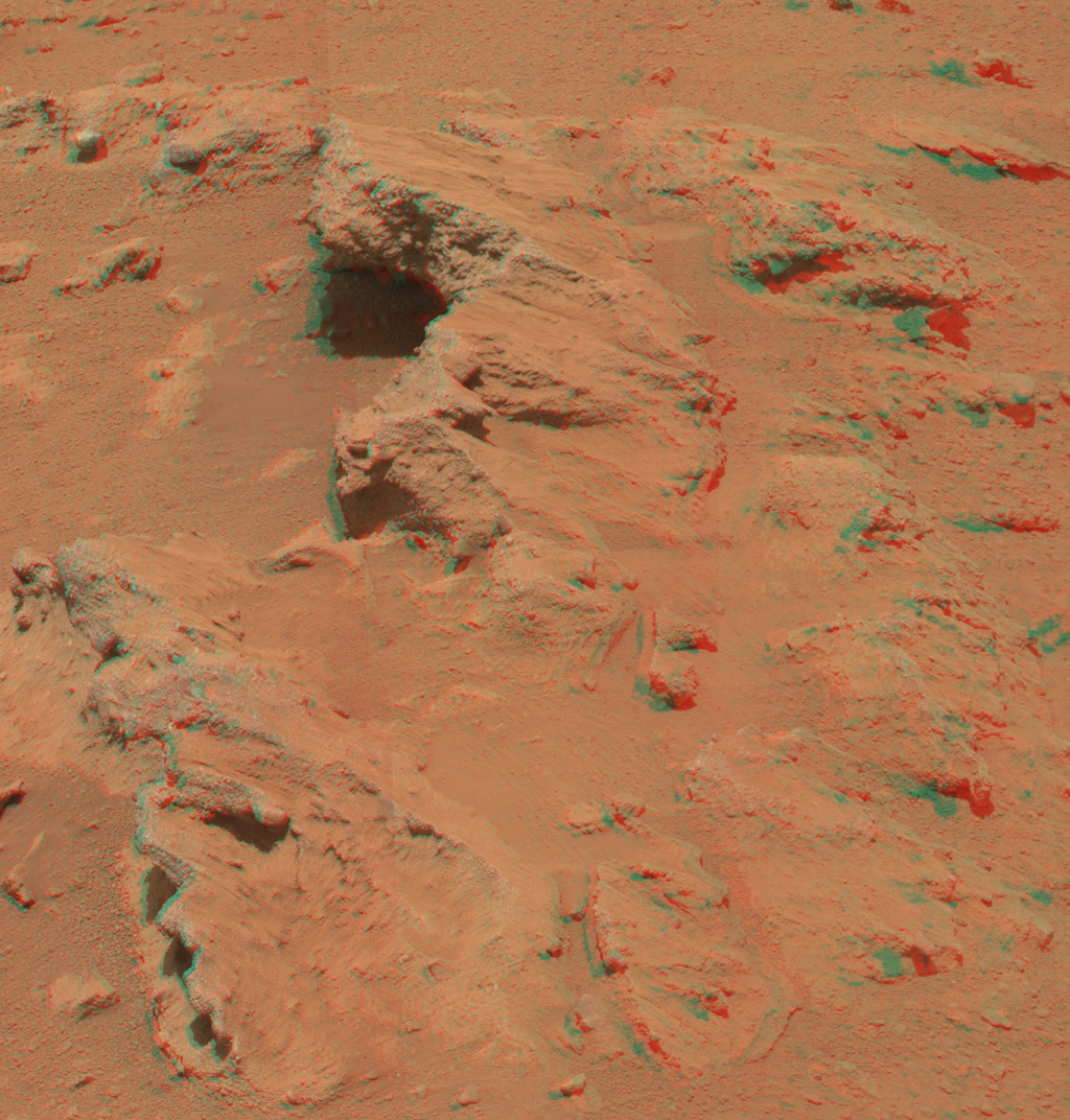 This stereo image from the Mast Camera (Mastcam) on NASA's Mars rover Curiosity shows a rock outcrop called 'Hottah,' cited as evidence for vigorous flow of water in a long-ago Martian stream. You need 3D glasses to view this image.