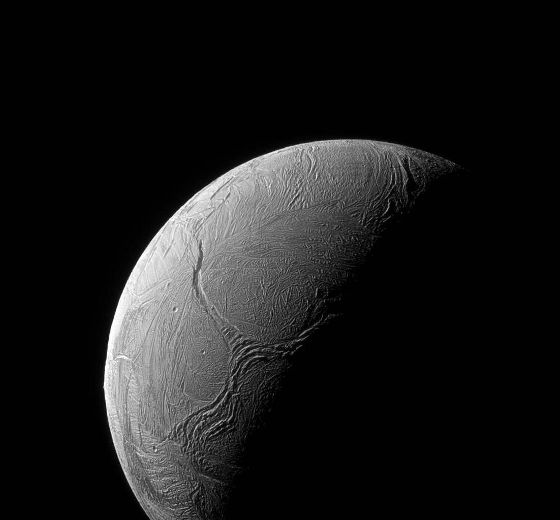 Estructura con forma de Y en la superficie helada de Encélado