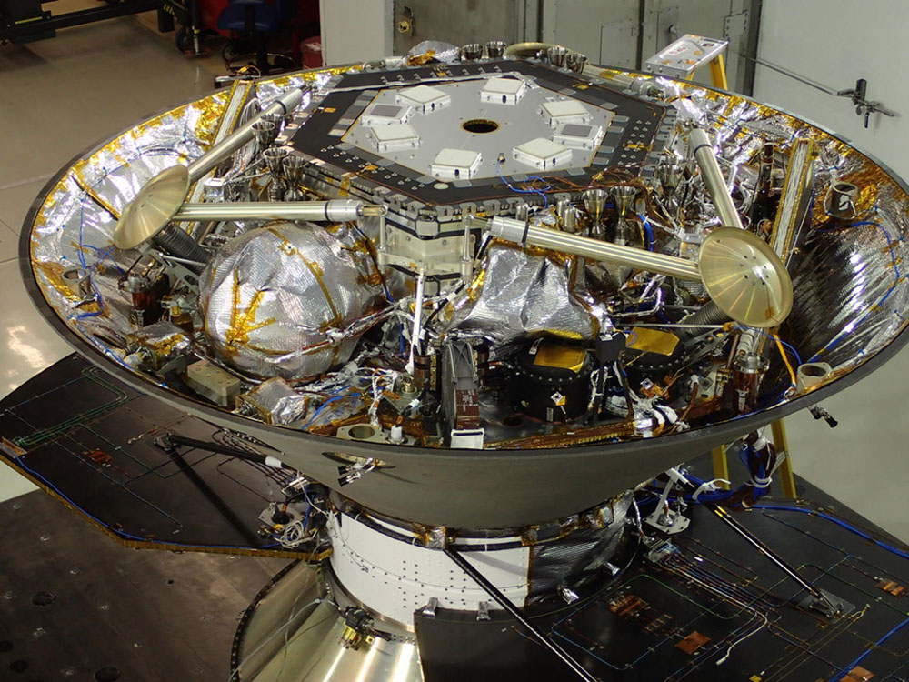 Space Images | NASA's InSight Lander in Spacecraft's Back ...