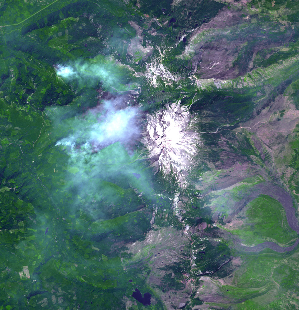 This image from NASA's Terra satellite, acquired on Aug. 18, 2017, shows the Whitewater Fire in the Mount Jefferson Wilderness in Oregon, started by a lightning strike. The smoke clouds sit over the burned area, just west-northwest of Mount Jefferson.