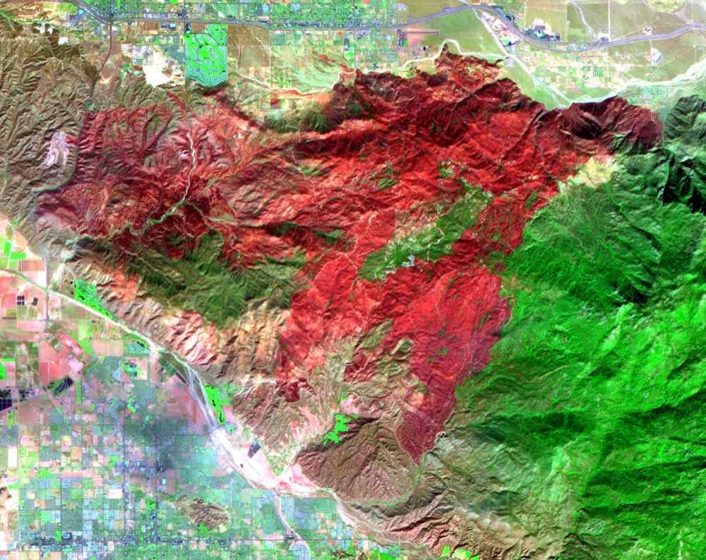 The Esperanza fire started on October 26, 2006 in the dry brush near Palm Springs, CA. This image was acquired in 2006 by NASA's Terra spacecraft.
