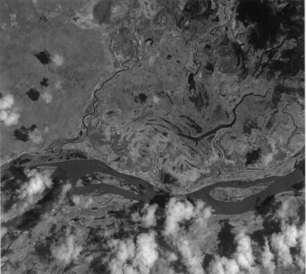 This image of the San Francisco River channel, and its surrounding flood zone, in Brazil was acquired by band 3N of ASTER's Visible/Near Infrared sensor onboard NASA's Terra spacecraft.