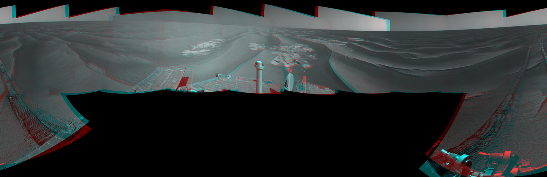 NASA's Mars Exploration Rover Opportunity combined images into this stereo, 360-degree view on April 22, 2010. This site is about 6 kilometers (3.7 miles) south-southwest of Victoria Crater. 3D glasses are necessary to view this image.