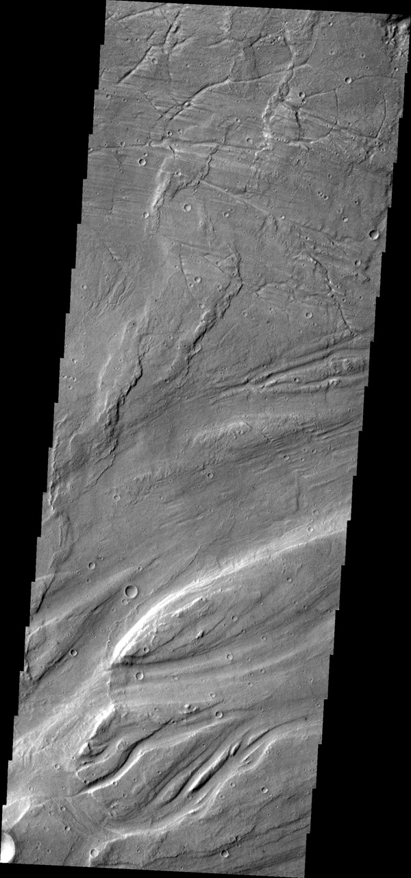 The complex channel and streamlined islands are part of Maja Valles as seen by NASA's 2001 Mars Odyssey spacecraft.
