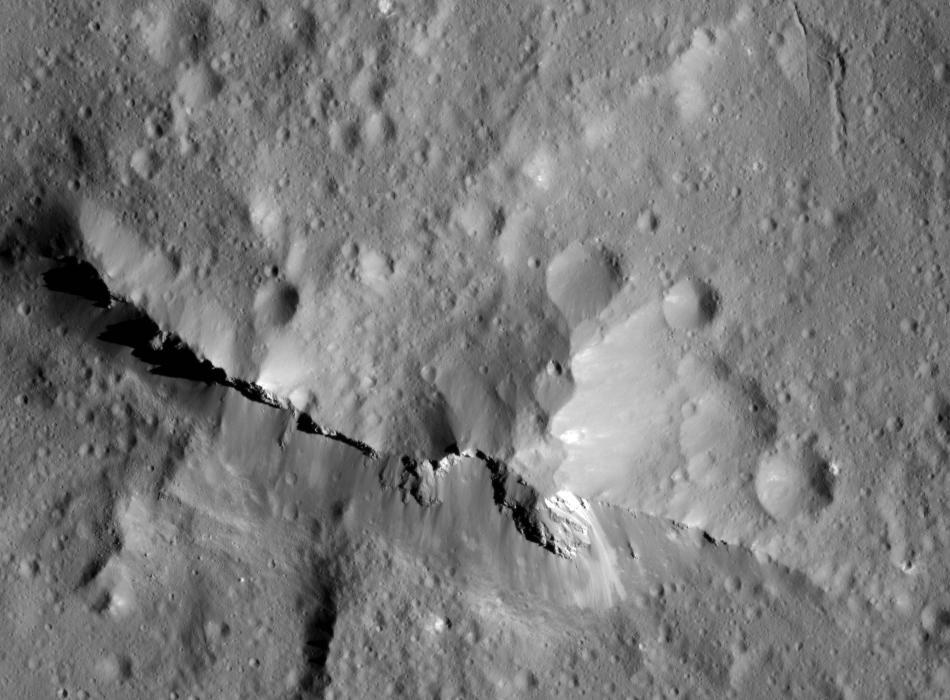This close-up view of the central peak of the 99-mile-wide (160-kilometer-wide) Urvara impact crater on Ceres was captured by NASAs Dawn spacecraft on June 21, 2018 from an altitude of about 83 miles (134 kilometers).