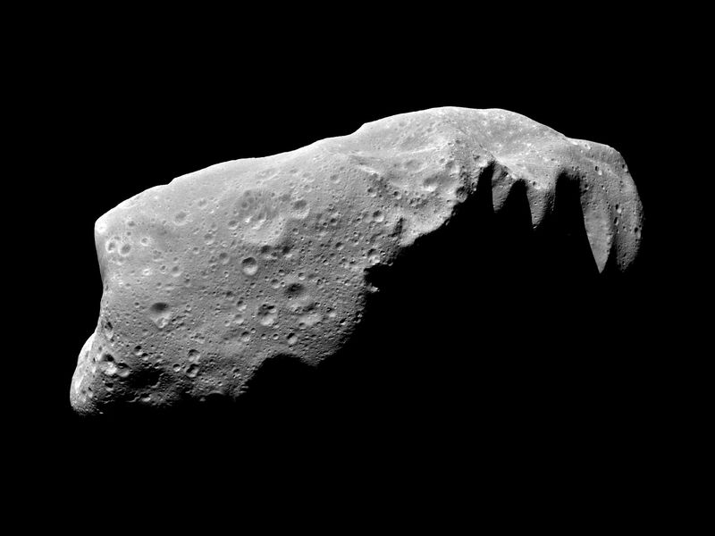 Asteroid 243 Ida mosaic of five image frames acquired by NASA's Galileo spacecraft 28 August 1993 about 3.5 minutes before the spacecraft made its closest approach PIA00135-800x600.jpg