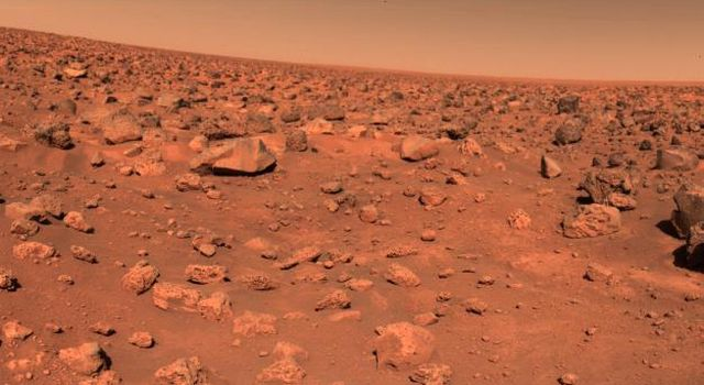 The first color picture taken by NASA's Viking 2 on the Martian surface shows a rocky reddish surface in 1997.