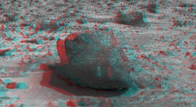 'Yogi,' a rock taller than NASA's rover Sojourner taken in stereo by NASA's Mars Pathfinder. 3-D glasses are necessary to identify surface detail.