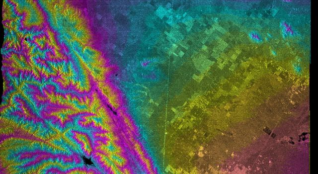 This topographic map acquired by NASA's Shuttle Radar Topography Mission from data collected on February 16, 2000 vividly displays California's famous San Andreas Fault along the southwestern edge of the Mojave Desert, Calif.