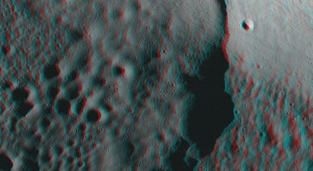 The Moon in 3-D