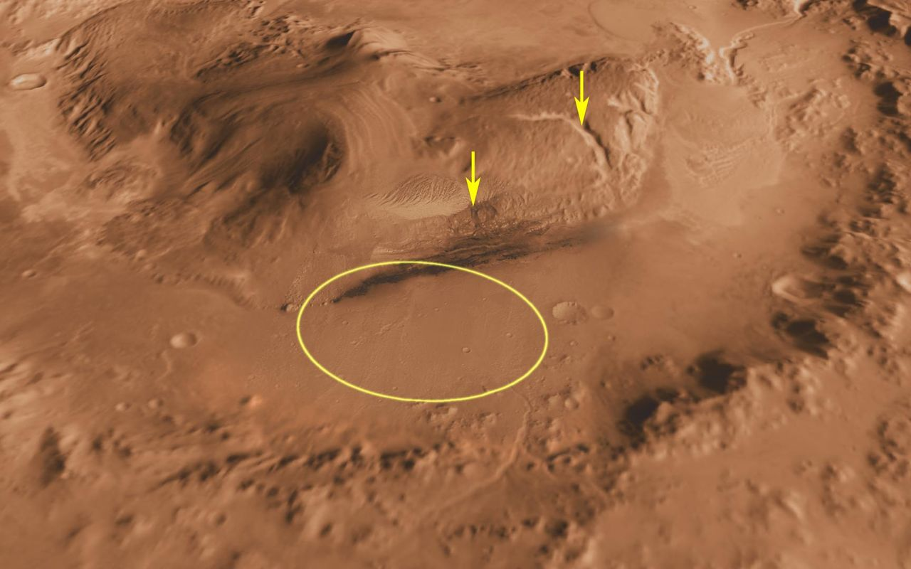 Space Images | Canyons on Mountain Inside Gale Crater