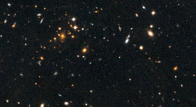 Galaxy Cluster and Giant Arc