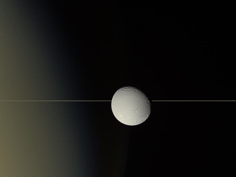 Dione on the Edge PIA17219-800x600