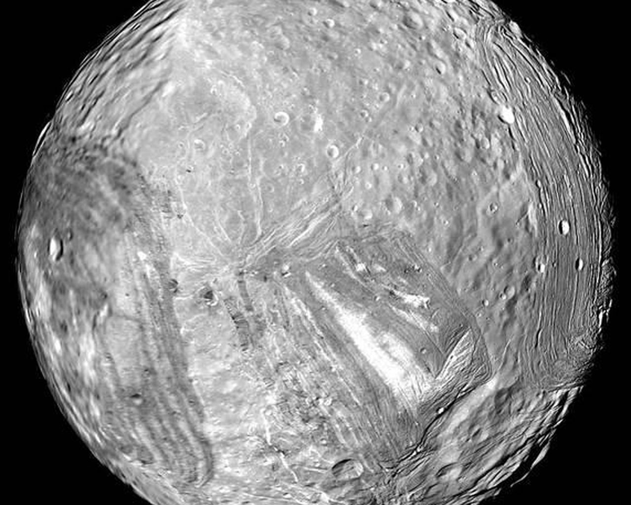 hd uranus moon miranda - photo #1