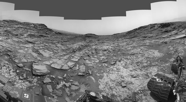 Panorama from Curiosity's Sol 1000 Location