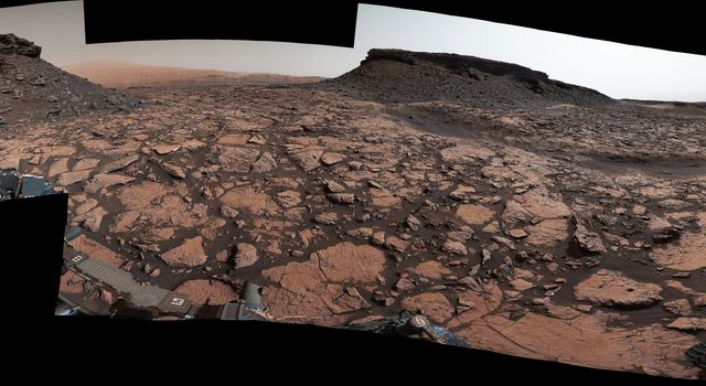 Rover's Panorama Taken Amid 'Murray Buttes' on Mars