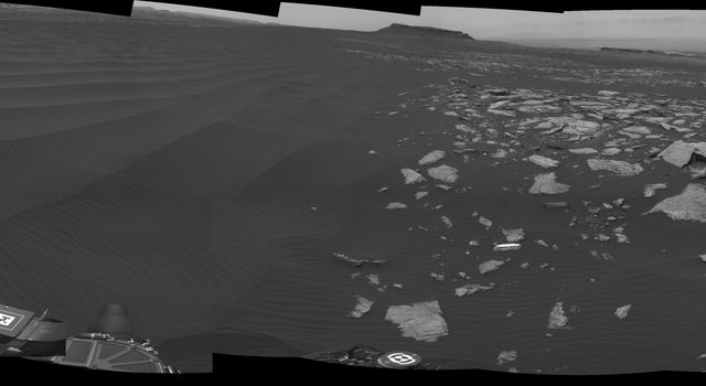 Full-Circle Vista With a Linear Shaped Martian Sand Dune
