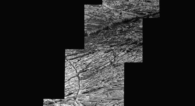 Highest-resolution Europa Image & Mosaic from Galileo