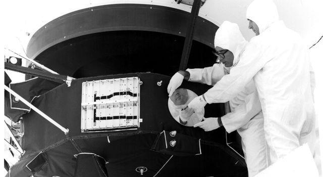 Voyager: Installing the Golden Record