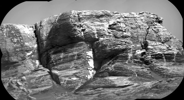 Micro-imager View: Layers in 'Vera Rubin Ridge,' Mars