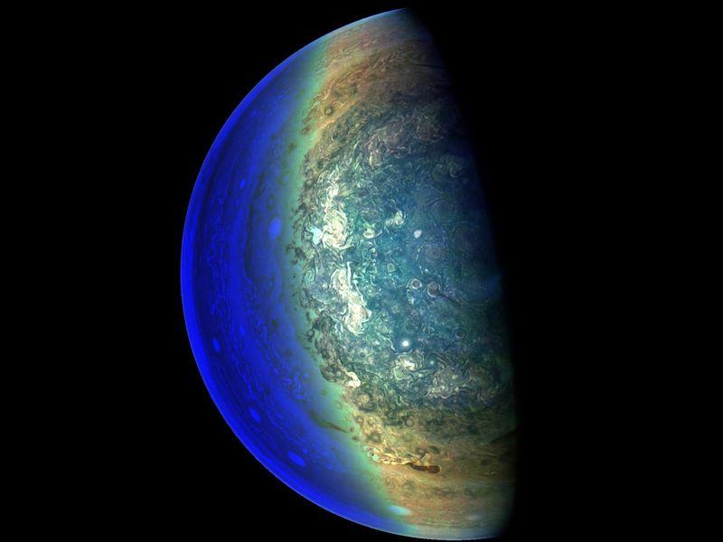 Jovian 'Twilight Zone' PIA21980-800x600