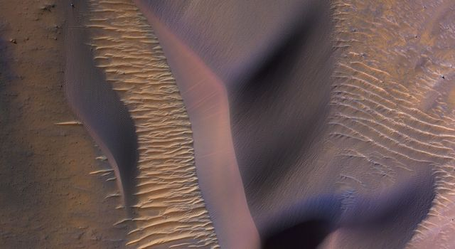 Dunes in Nectaris Montes