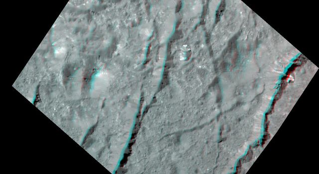 Cracks in the Floor of Occator Crater (3-D)