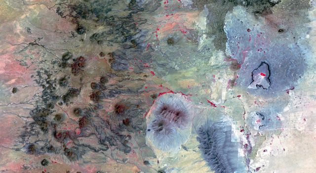 NASAs Terra spacecraft shows the Potrillo volcanic field, located on the Rio Grande Rift in southern New Mexico.