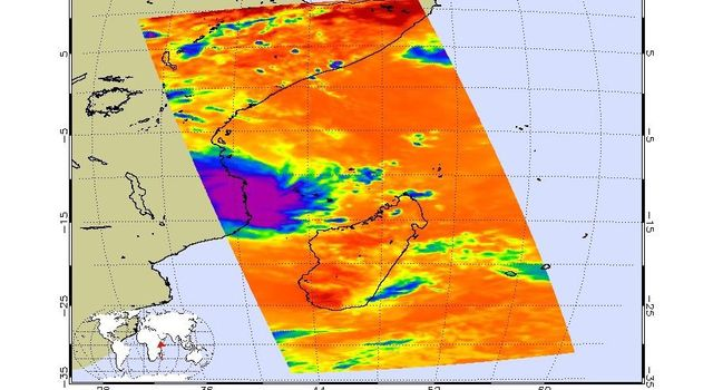 NASAs AIRS instrument shows the temperature of clouds or the surface in and around Tropical Cyclone Kenneth as it was about to make landfall in northern Mozambique on Thursday, April 25.
