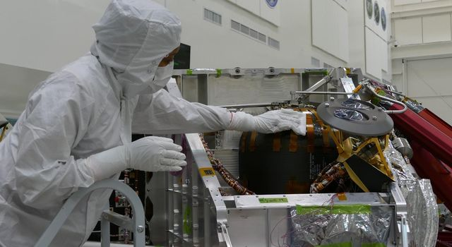 Cleaning Mars 2020